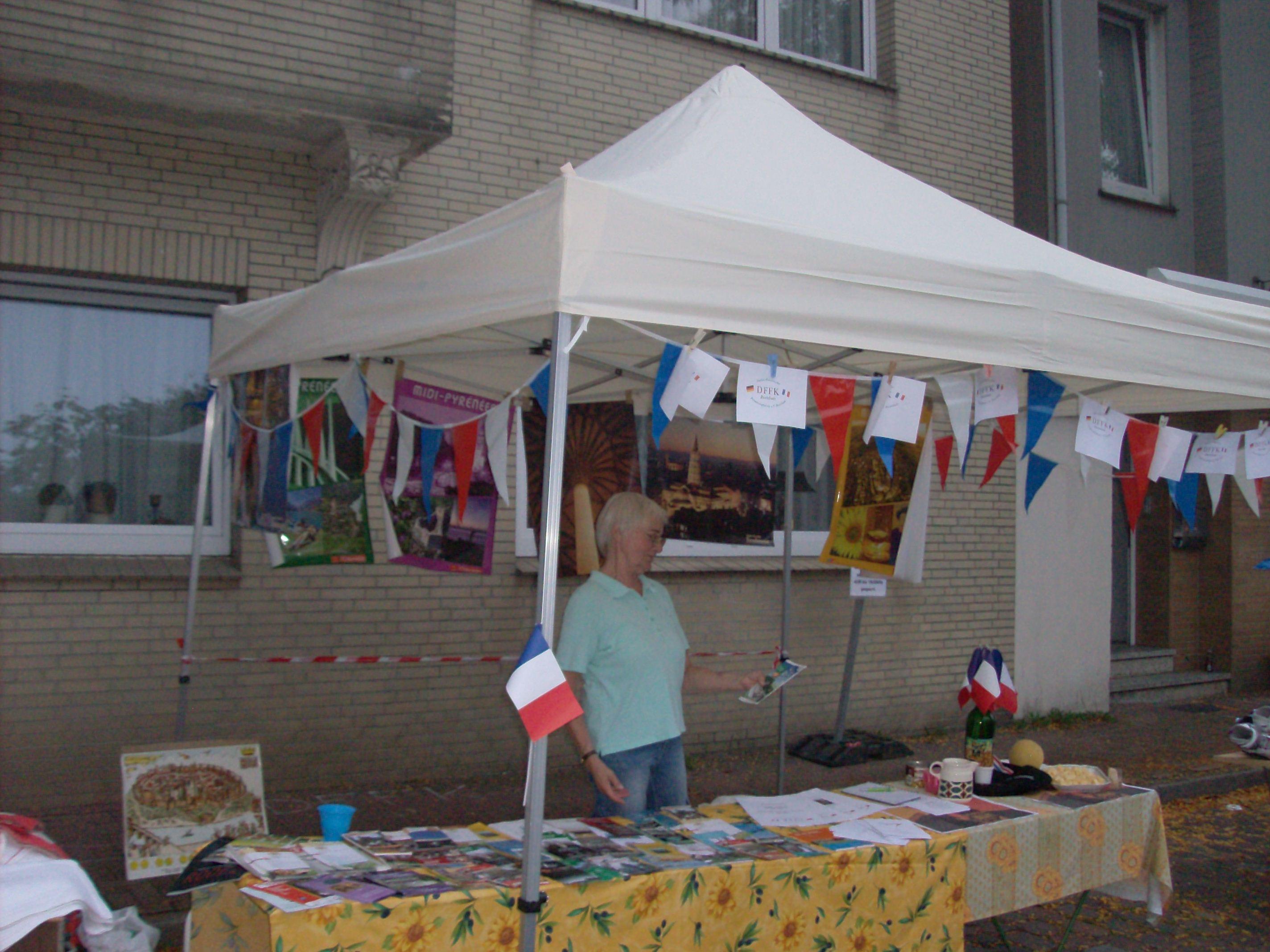 DFFK Infostand auf dem Flohmarkt Altkloster